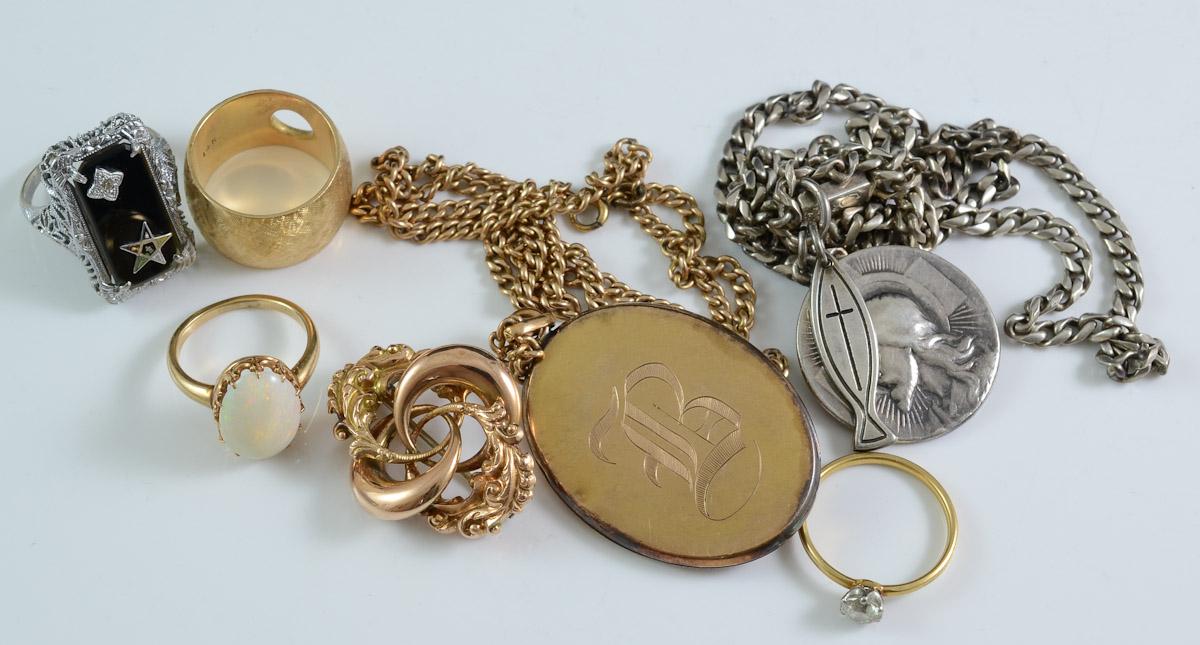 Antique-Estate-Scrap-Gold-Buyer-Ryan-Brechlin